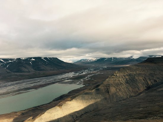 Longyearbyen, Noruega: One of the views on the hike