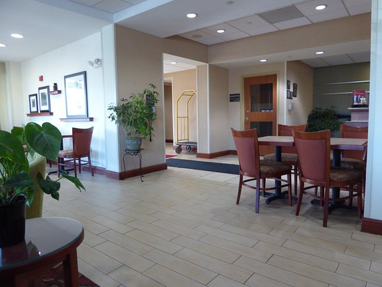 Hampton Inn Rutland/Killington: Reception