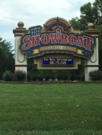 Showboat Branson Belle: Entering the Showboat