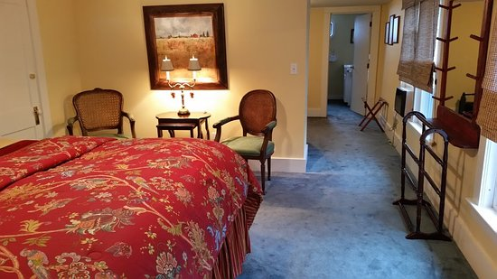 Inn at Clearwater Pond: The Lila Marin Suite is spacious and elegant