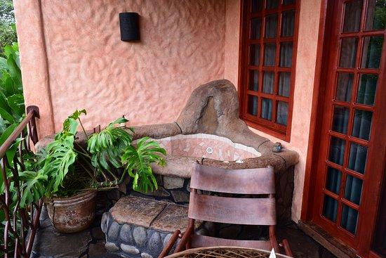 Peace Lodge: Balcony, Standard room