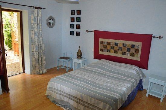 Siorac-en-Périgord, Frankrike: Chambre Kadisha accès personnes à mobilité réduite