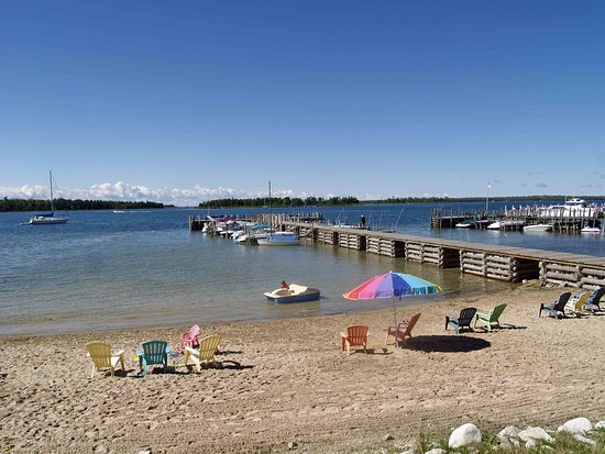 Hessel, MI: Beach area