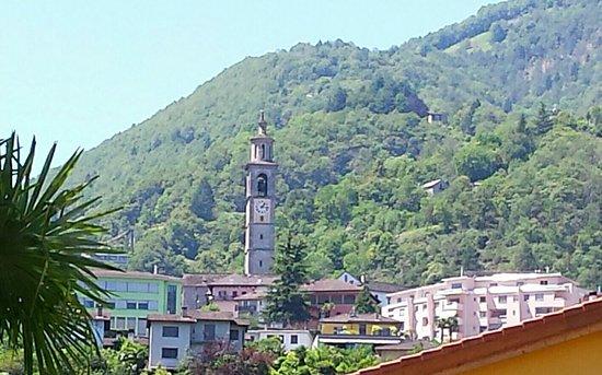 Ansicht von Intragna mit dem höchsten Kirchturm im Tessin
