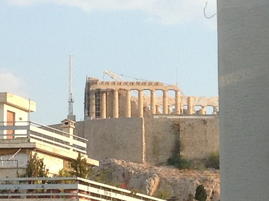 Philippos Hotel: View of the Parthenon from a fifth floor room
