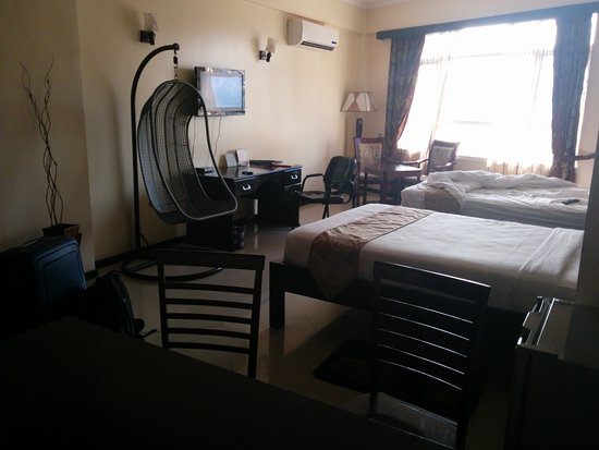 Hotel Sapphire: Very spacious and comfortable room