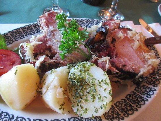 Salzburger Hof Dining Lounge: Kassler