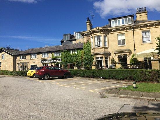 Innkeeper's Lodge Leeds Calverley : Front Entrance of Hotel