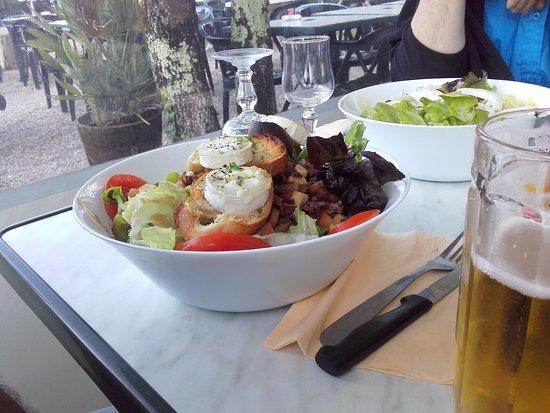 La Guinguette des Gorges de l'Ain: Salade fromage de chèvre