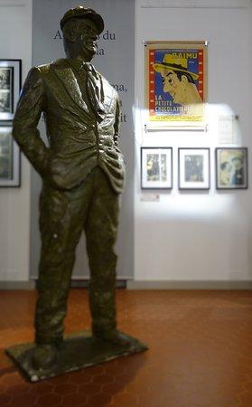 Marignane, Frankrike: RAIMU vous attend à l'entrée du musée