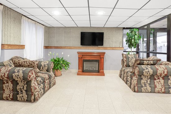 Days Inn Wilkes Barre: Lobby Sitting Area