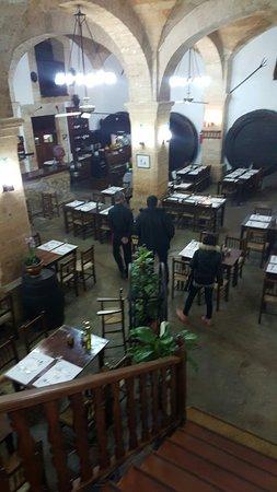 Petra, إسبانيا: Es Celler what a lovley restaurant!