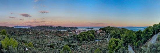 Skiathos Garden Cottages: La vista dalla nostra terrazza