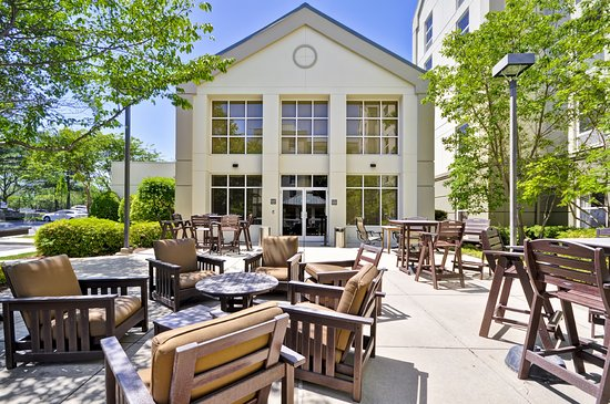 Hampton Inn & Suites Memphis-Shady Grove Road: Pool Outdoor Patio
