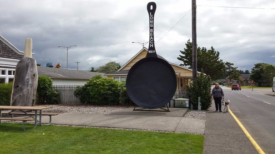 Long Beach, WA: Worlds largest frying pan