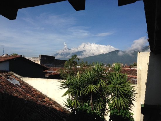 Hotel Casa del Parque: The view directly outside our room
