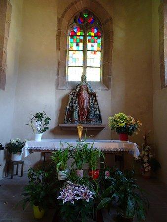 Mouterhouse, Francia: L'autel et la statue de la Vierge