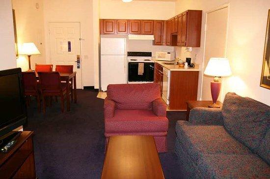 Hampton Inn & Suites Denver Tech Center: Suite