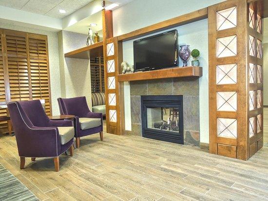 Tooele, UT: Fireplace Seating
