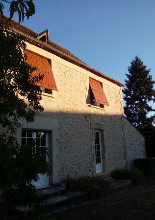 Saint-Avit-Senieur, Francia: lever de soleil sur les chambres d'hôtes