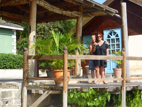 Mustique: Basils Bar