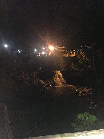 Chagrin Falls, OH: Beutifull ❤️