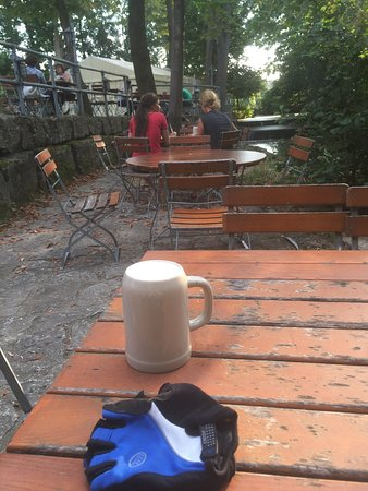 Neustadt an der Aisch, Alemania: Wunderschöner Biergarten direkt am Radweg
