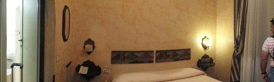 Croce di Malta Hotel: 20160831_201938_large.jpg