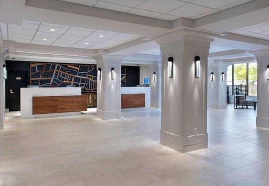 Boston Marriott Peabody: Reception Area