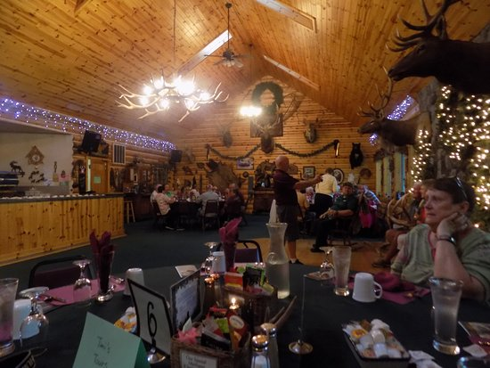 Hillman, MI: This is the large cabin where our meal was prepared by the owners son on 100