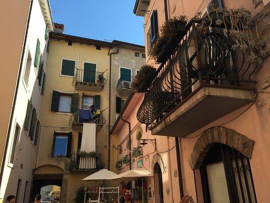 Balconi Piccolissimi : Balconi in fiore foto di lungolago di lazise lazise tripadvisor