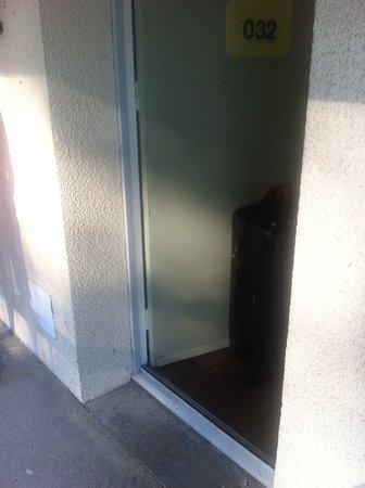 Prouvy, Frankreich: puerta entrada habitación