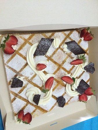 Notre gâteau d anniversaire de mariage se fut très succulent trop ...
