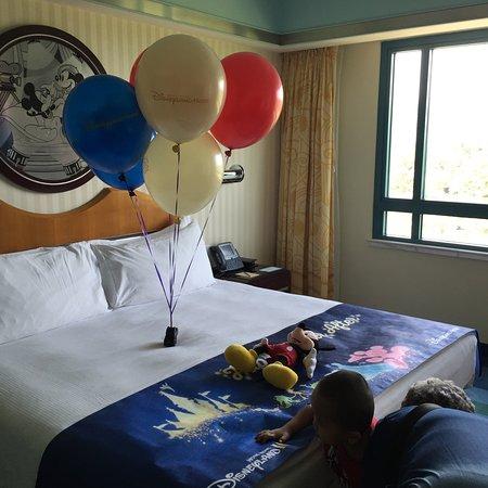 Hong Kong Disneyland Hotel: photo0.jpg
