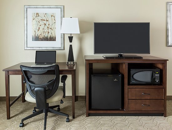 Niles, OH: Guest Room Workspace