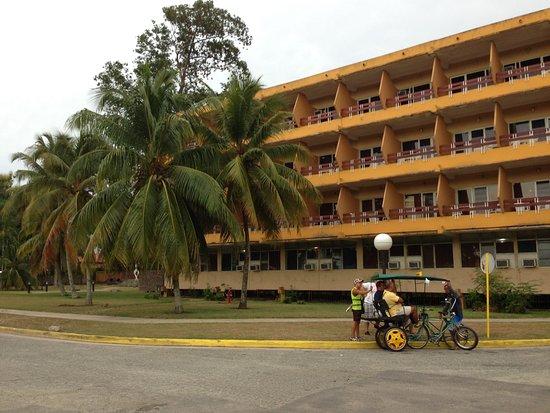 Islazul Hotel Camaguey : frontview