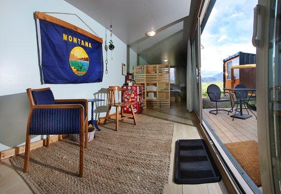 Pine Creek Lodge Restaurant Rustic Kitsch Interiors Plenty Of Outdoor Space