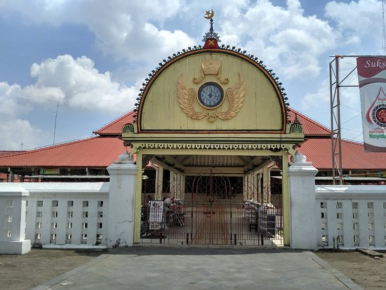 Kauman Grand Mosque