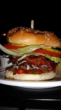 Dalhousie, Canada: The famous Rachel Special burger!!!