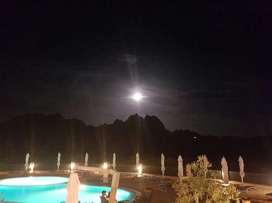 Hotel Parco degli Ulivi: 20160819_222207_large.jpg