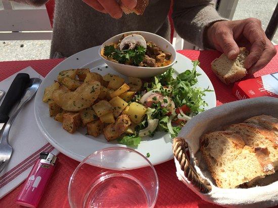 Restaurant Mere Michette Serres Castet
