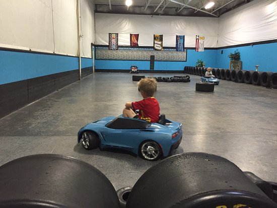 ‪Maine Indoor Karting‬