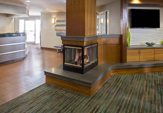 Residence Inn Huntsville: Front Desk