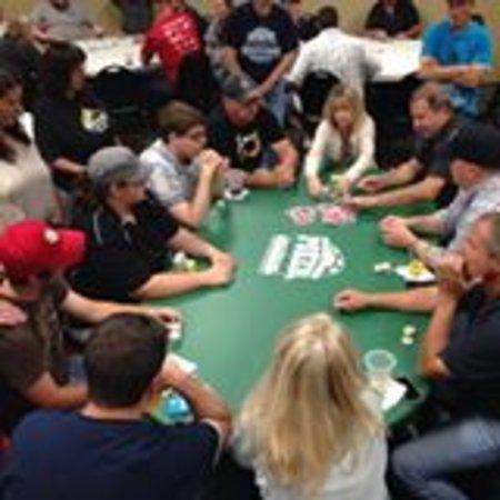 Chesaning, ميتشجان: Poker Night