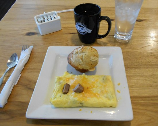 Rykse's: Lite omelet with muffin and good coffee