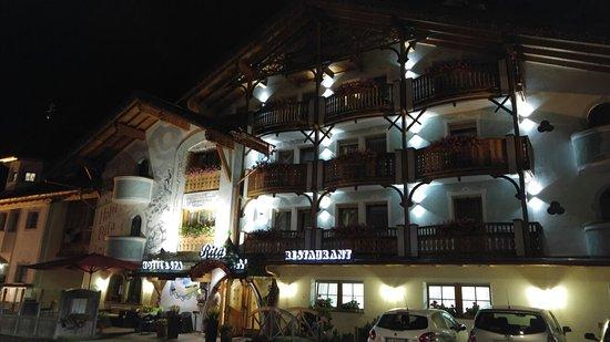 Hotel Rita & Spa: 20160803_214545_large.jpg