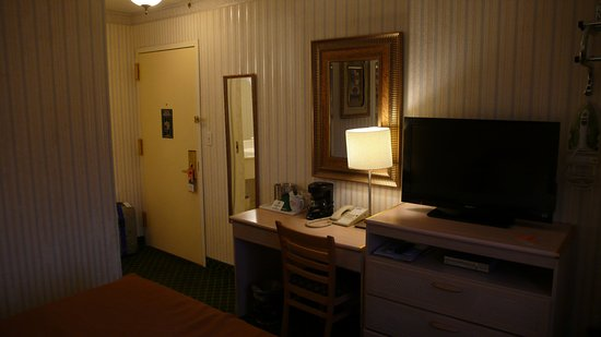 Flushing Central Hotel: Habitación