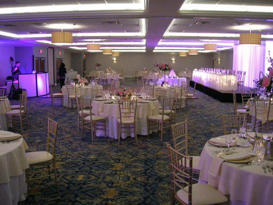 Crowne Plaza Hotel & Suites Pittsburgh South: Ballroom