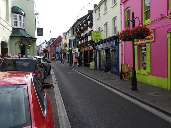 Ennis, Irland: Street leading up to teh Daniel O'Connell Monument