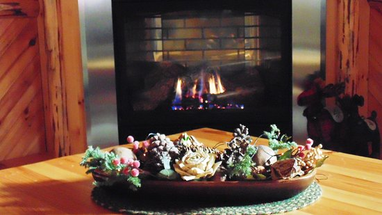 Dundee, OH: Holidays and Cozy Fireplaces
